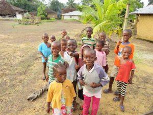 Sierra Leone Een Been   Rowena Goes Ape (1)