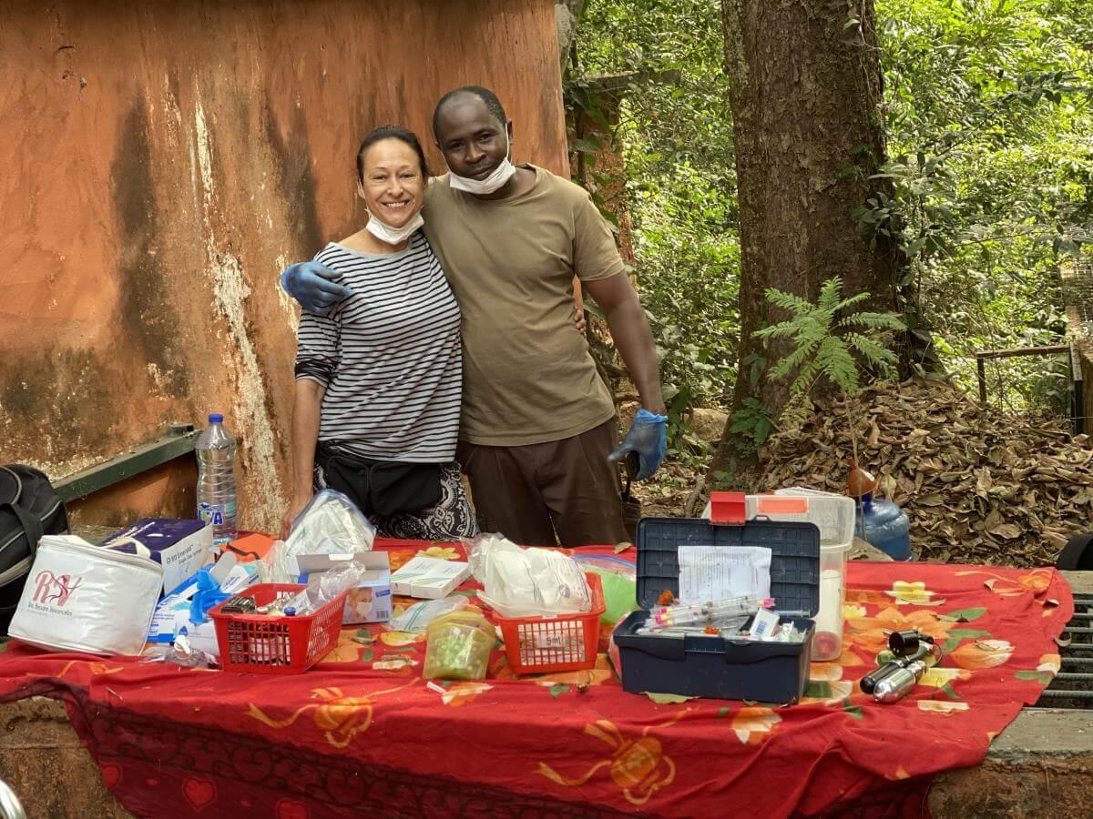 animalstoday-medisch-onderzoek-tacugama-pastor-Rowena Goes Ape (3)